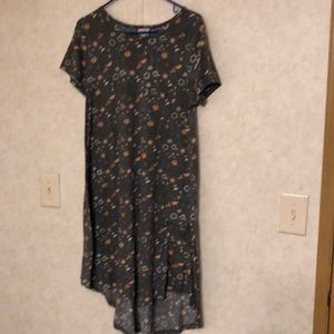 Excellent Condition Lularoe Carly (M)
